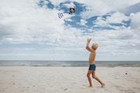 Dreng strand sommer drage