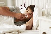 Syk gutt i senga
